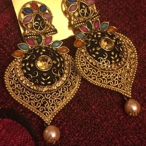 Jewelry - Traditional earrings